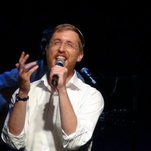 יצחק מאיר בהופעה